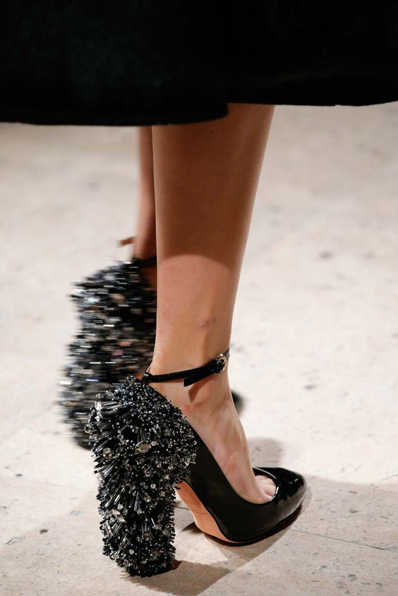 Rochas Fall 2015 Textured Heel Pumps - Please, let this piece of haute couture begin trickle-down trending!: