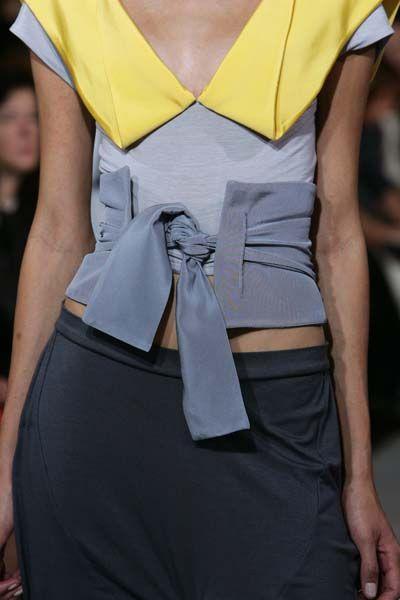 This fabric belt by Portuguese designer Fatima Lopes reminds me of a Japanese obi belt – I'd wear it!