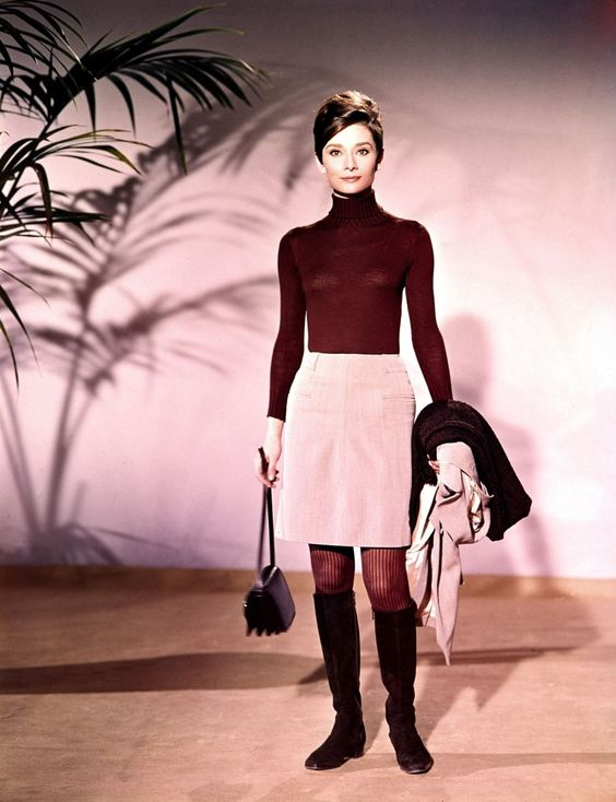 The actress Audrey Hepburn photographed by John Engstead at the Warner Brothers Burbank Studios, located on Warner Boulevard, in Burbank, a city in Los Angeles County, in Southern California (USA), during a photo shoot for the publicity material of...