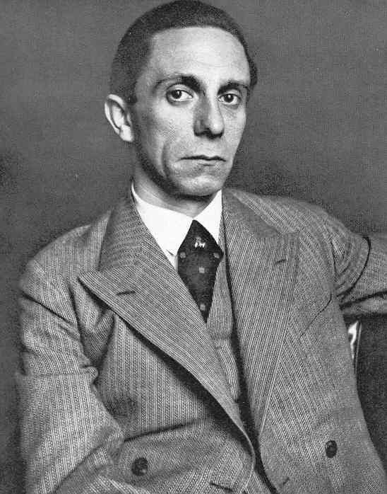 Reichsminister für Volksaufklärung und Propaganda und Leiter der Reichskulturkammer (Reichminister for Propaganda & Enlightenment and Reichsleiter of the Reich Chamber of Culture) und Gauleiter (Governor) von Berlin, Joseph Goebbels
