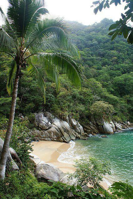 Playa Colomitos, boca de tomatlan, Bahia De Las Banderas, Puerto Vallarta, Jalisco, Mexico #beautifulbeaches