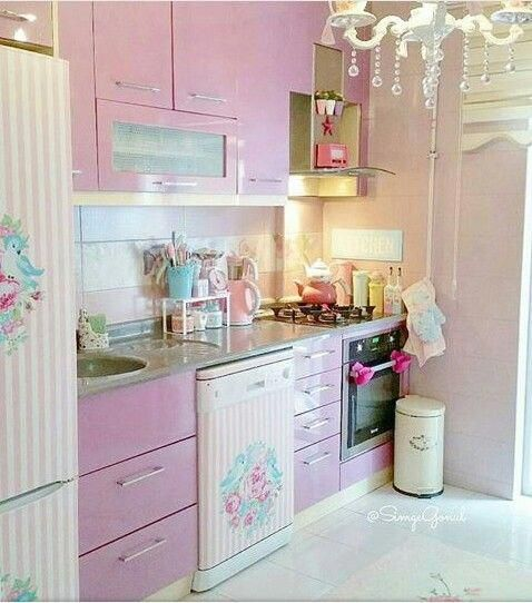 Shabby Chic Kitchen Cabinets On A Budget Shabbychickitchen Shabby Chic Kitchen Retro Home Decor Shabby Chic Interiors