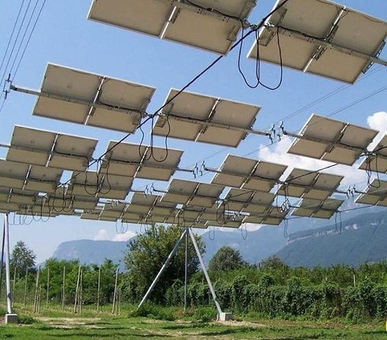 Thibaultfrisson The 2 First Dynamic Agrivoltaic Systems In Europe 1 Axis Tracker Rope Rack Austria G Czaloun 2007 And Dual A Solar Patio Solar Europe