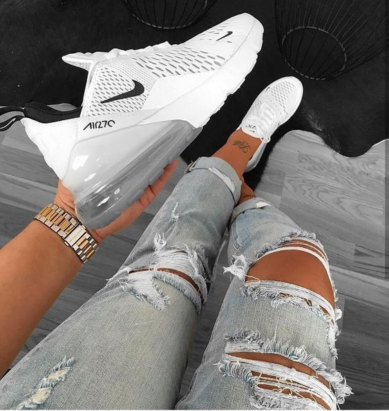 chaussure nike fille blanche