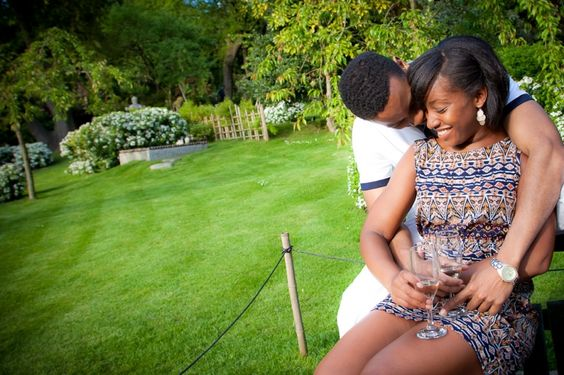 #Engagement #Photography. Holland Park in London. Perfect for engagement photography. Blogpost: Top Four Favourite Parks in London.