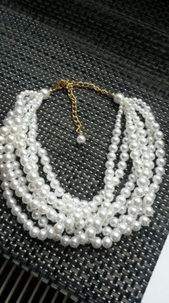 Kleiderkorb.de :: ausgefallene mehrreihige Perlenkette *neu