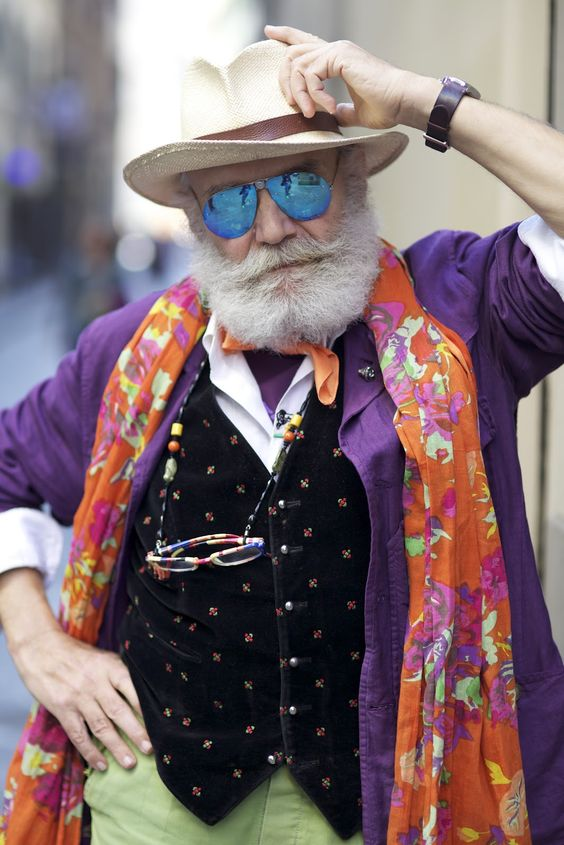 ADVANCED STYLE: Wanny Di Filippo in Florence...this is the guy version...