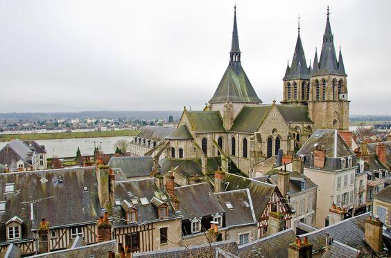 #france, #loirevallley, #blois Blois Castelul Blois- 4 aripi, 4 epoci, 4 stiluri diferite