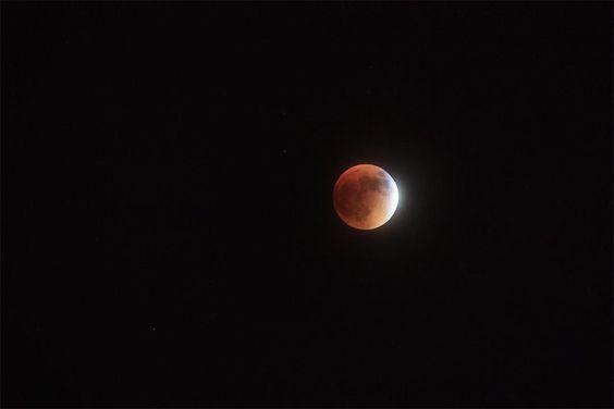 2015 Super moon full lunar eclipse #supermoon #supermoon2015 #supermoonfullmoon #fullmoon #lunareclipse #lunareclipse2015