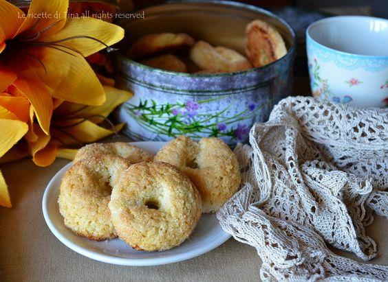 Biscotti da latte inzupposi,senza burro.Biscotti zuccherati con ammoniaca,i classici biscotti della nonna dal sapore unico!