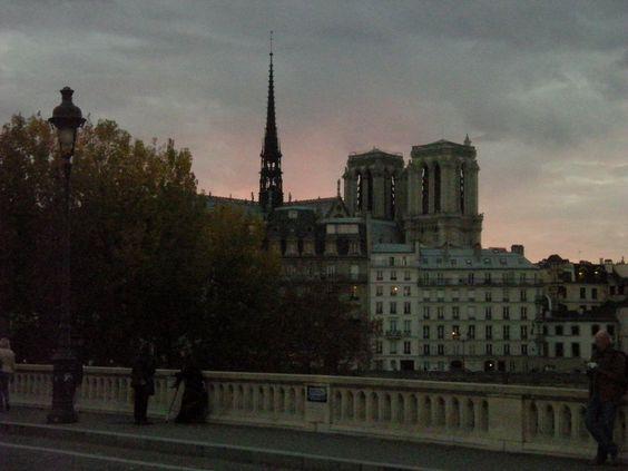 Notre-Dame au crépuscule