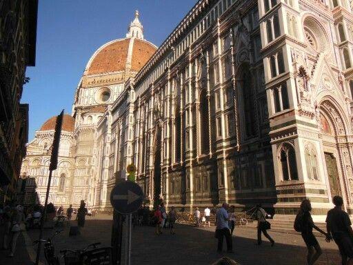 Llegada a la #Catedral de #Florencia. #EuropeosViajeros #Firenze #Florence #Europe #Europa #Italia #Italy #Travel #Viaje #Turismo #Tourism #Toscana #Tuscany #cathedral