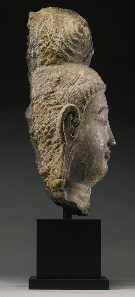 sculpture     sotheby's n08872lot6grl6en