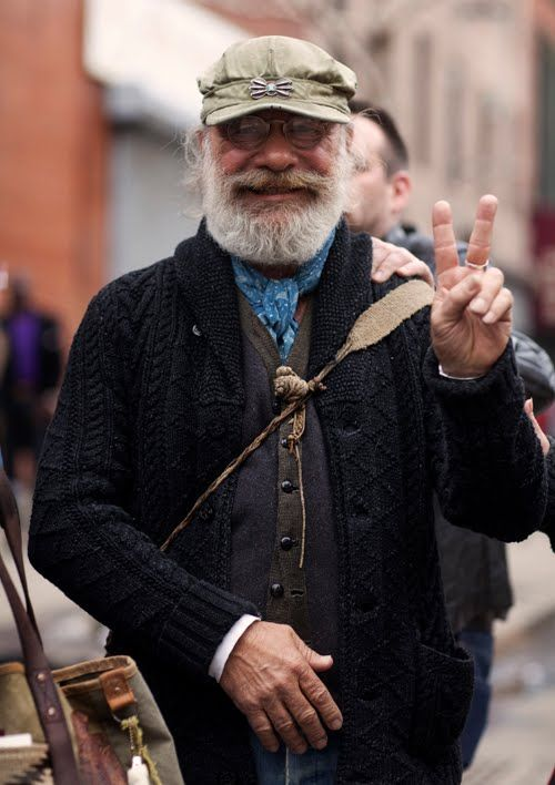 styling while aging gracefully: Sign Guy, Peace Photograph, Weekend Mens Style, Fashion Style, Doug Bihlmaier, Peace Signs, Bihlmaier Doug, Men S, 100 Smile