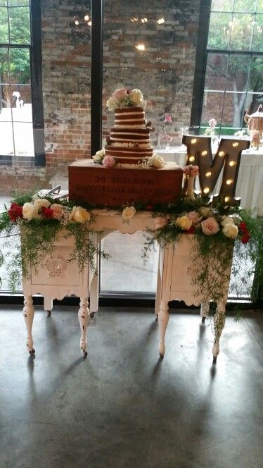 Vintage wedding cake  #vanity #nakedweddingcake