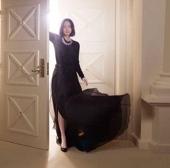 中谷美紀ふんわりロングスカートが美しい画像