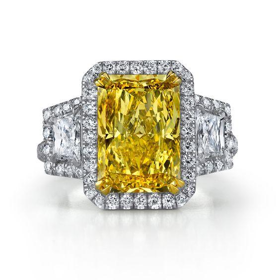5.05ct Fancy Colored Diamond Ring | Bigham Jewelers, Naples Florida Jewelers