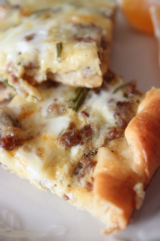 breakfast casserole. i need this NOW!