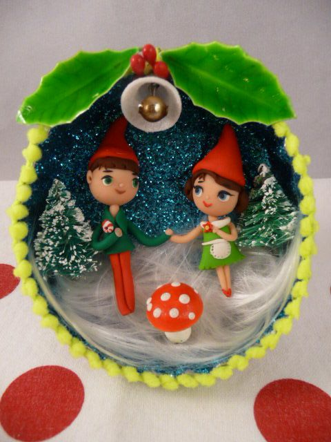 amazing vintage style ornament from felt