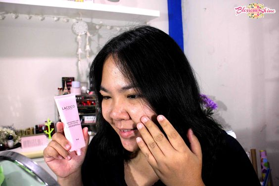 Me applying Lacoco Watermelon Glow Mask