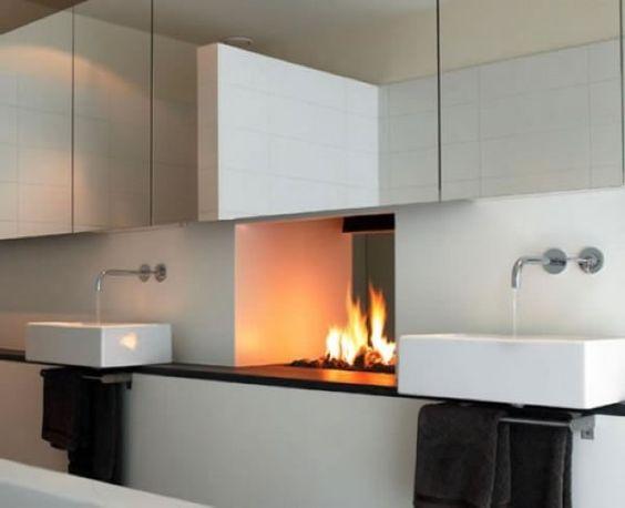 Badezimmer Designs Mit Einbaukamine 2019 | Badezimmer | Pinterest ... Badezimmer Designs