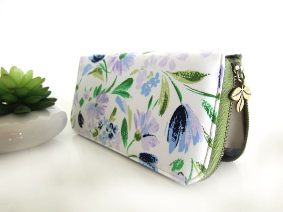 VEGAN WALLET, Purple floral cotton fabric, Womens Wallet, Women's Wallet Clutch, Zippered Wallet for your goodies Safety. Spring Feeling!! by CoversCrafts on Etsy https://www.etsy.com/listing/223990608/vegan-wallet-purple-floral-cotton-fabric