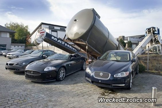 Jaguar XKR crashed in Brugsesteenweg, Belgium