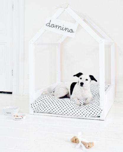 DIY dog house. Wish I had a dog!
