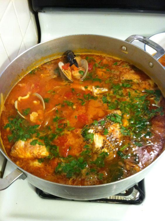 Sopa de mariscos seafood soup cocina sopas y cremas for Cocinar 7 mares