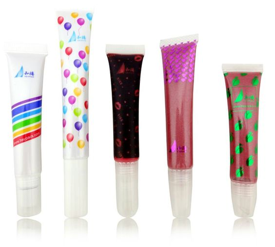 lip gloss L12108  1:long lasting protection against dry lip  2:have moisturize and anit-sun function  3;smell good
