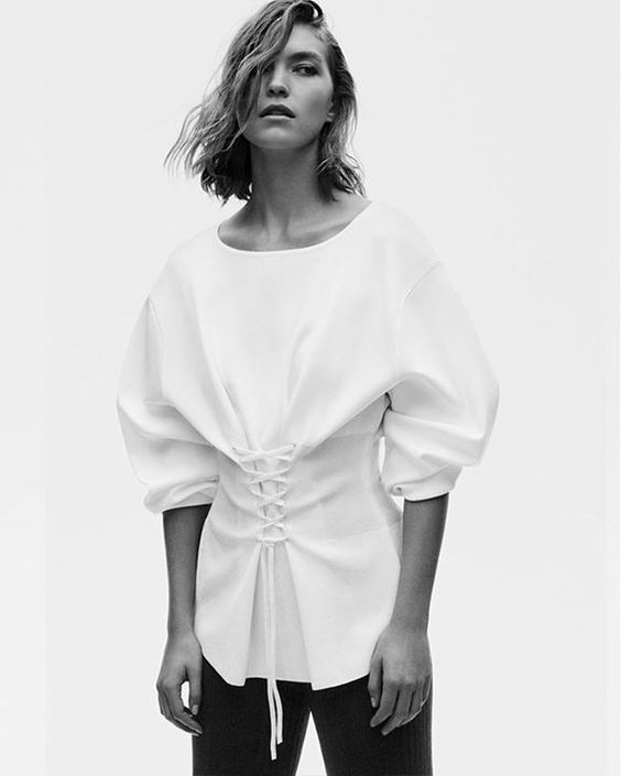 KNIT SPRING | The new editorial for Woman is now available online and in-stores http://bit.ly/2mIVLvA | PSSST! WANT SIMILAR LOOKS BUT AT THE LOWEST PRICES THAN THE HIGH STREET | CHECK OUT www.damialeon.com | SHOP THE LATEST TRENDING OF SS17 FASHION & BEAUTY AT DAMIALEON | FREE SHIPPING WORLDWIDE FOR ALL ITEMS! |    #damialeon #fashion #trend #freeshipping #pearls #stripes #vichy #eyelets #damialeon #latest #trending #fashion #instadaily #dress #sunglasses #blouse #pants #boot #trainer #shoes…