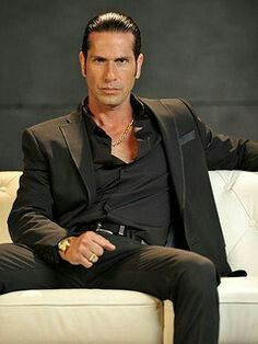 Pin By Korayma Torrez On Gregorio Pernia Good Looking Men Halloween Costume Outfits Celebrities Male