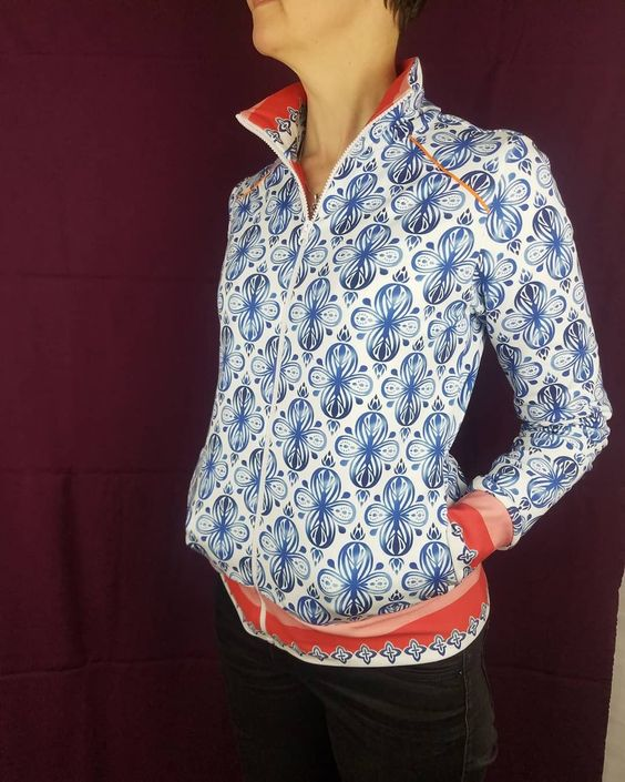 Pattern By Pr Lla N Ht In A French Terry By Albstoffe Hamburger Liebe Stoff Stoffe Baumwolle Jersey Stoff Seide Markisenstoff In 2020 Mens Tops Fashion Tops