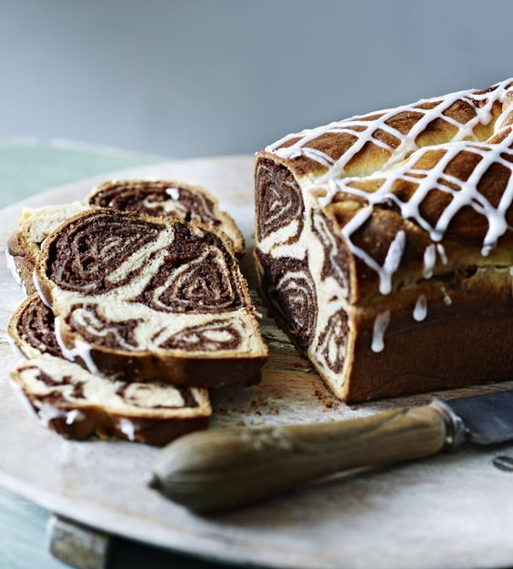 Pronounced Pov-e-Tee-za, this Eastern European sweet bread is traditionally served at Christmas, but makes a delicious tea time treat at any time of the year