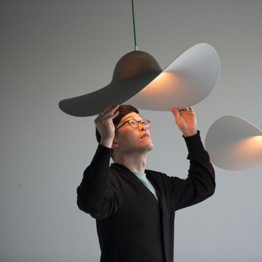 Daandi.com : Suspension lumineuse design HAT de Eno Studio - blanc ou gris - Mars Design Studio