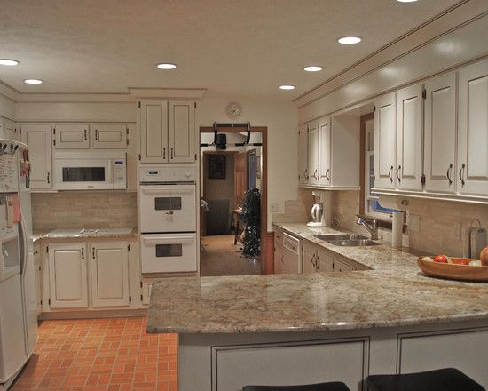 Traditional Kitchen White Appliances Design, Pictures, Remodel