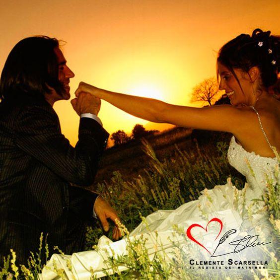 Al tramonto, momenti romantici di un matrimonio. www.clementescarsella.it