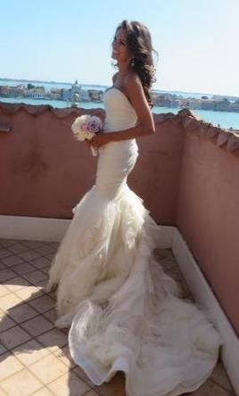 Vera wang gemma find this and other designer wedding for Vera wang beach wedding dress