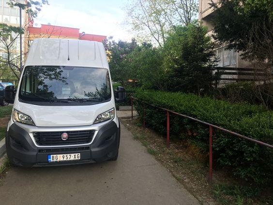 transport robe kombi vozilom