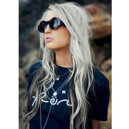 Cheveux blanc gris