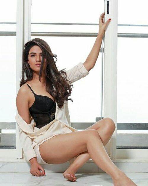 Jasmin Bhasin bikini photoshot -  newsdezire