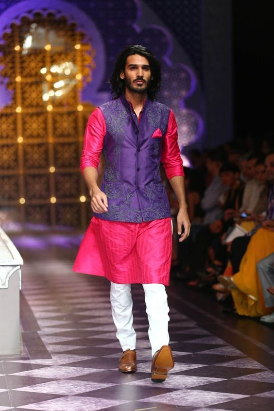 Indian Groom Outfit Idea | Pink Kurta and Violet Jacket with White Pajamas | Indian Wedding Wear for Men | Men's Mehendi Wear | Function Mania | 7 NEW Looks for Grooms of 2018 Inspired by Pantone Colour of the Year!
