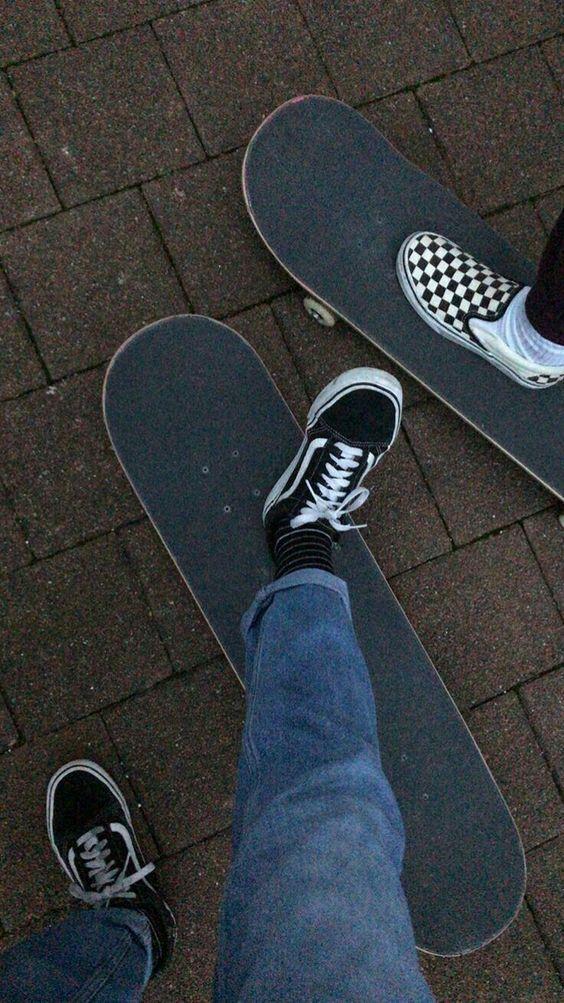 Skate Aesthetic With Monochrome Checkerboard Vans Aesthetic Checkerboard Monochrome Skate Vans In 2020 Skate Style Skate Photos Skater Girls