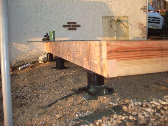 Fondation sans b ton plot de fondation visser dans le - Terrasse beton empreinte bois ...