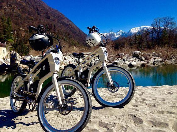 RAUSZEIT mit YouMo im Valle Maggia Schöne Ausfahrt mit unseren YouMo eCruisern blauer Himmel wärmende Sonne einen einladenden Strand am Valle Maggia imposante Kulisse mit weissen Bergen was will man mehr... #Rauszeit #YouMo #Ticino #ValleMaggia