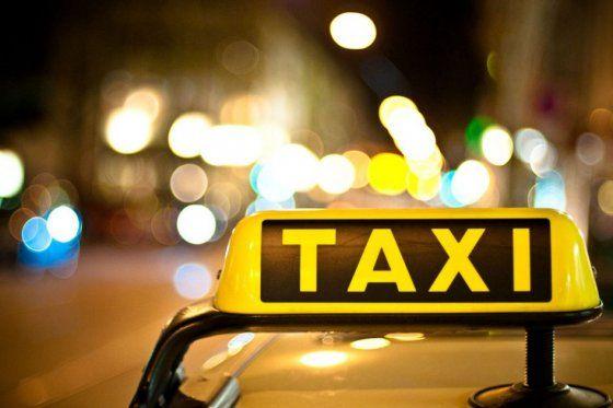 "Usuarios convocan a ""día de no taxi"" por redes sociales"