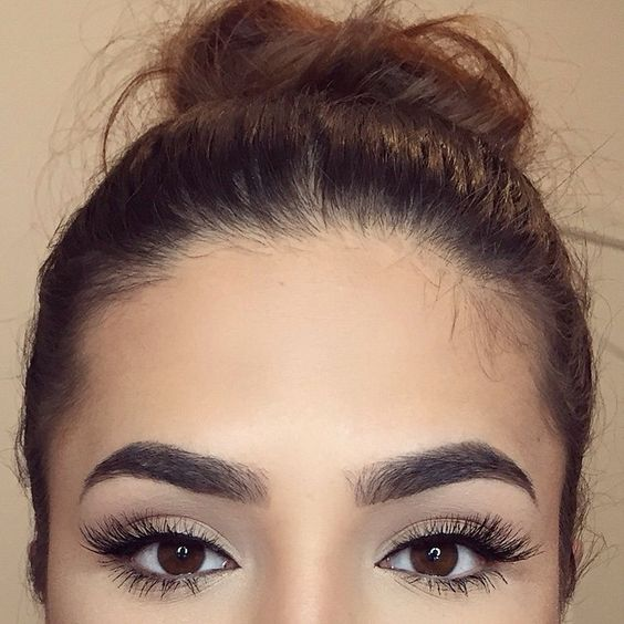 The Pros And Cons Of Eyelash Extensions To Help You Decide
