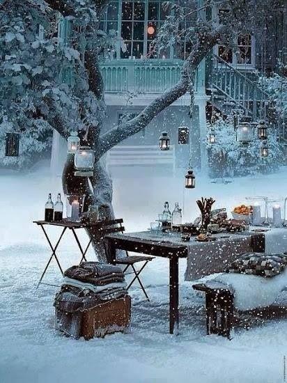 Un pique-nique sous la neige! Quelle bonne idée :) / A snow picnic! What a great idea :) so cutie!!! Wish it looked this beautiful when it snowed here...: