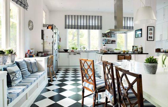 Lindo banco para el ventanal de la cocina