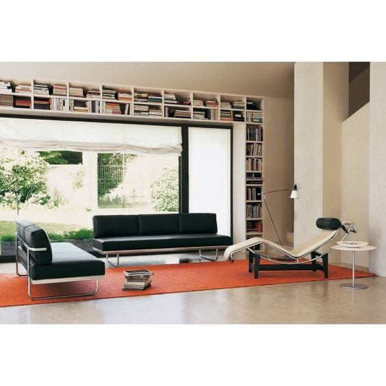 Canap s lc5 et chaise longue lc4 le corbusier design for Chaise longue design le corbusier